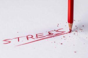 """crayon à papier ayant écrit le mot """"stress"""""""